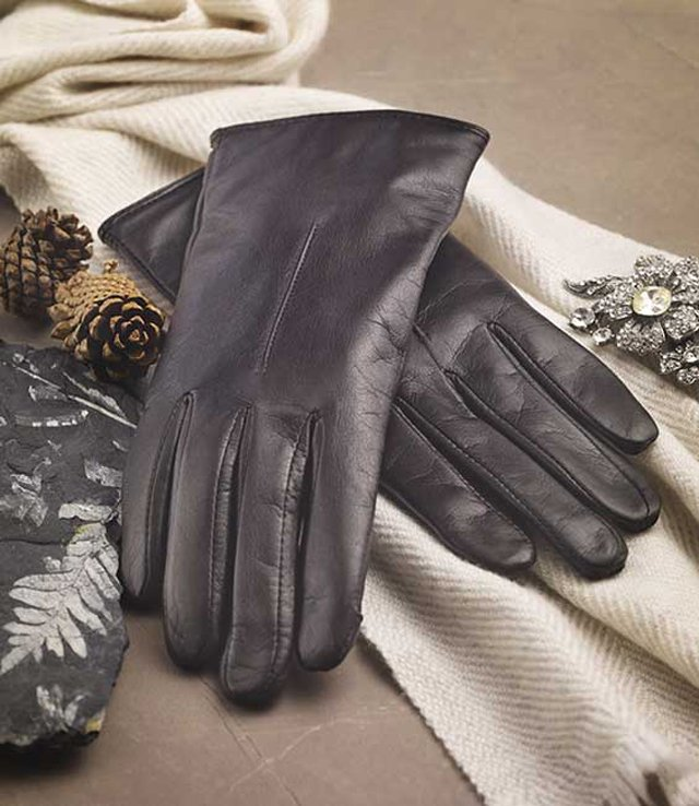76f580f8f ... gloves for women. Super-soft lambskin leather and elegant styling make  them perfect for dressy or casual wear, while a soft 100% natural wool  lining ...